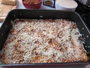 Bolognai lasagne elkészítése 7 - parmezán