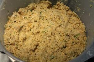 Falafel recept: hozzávalók liszttel elkeverve