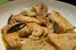 Fokhagymás csirkemell (pechuga de pollo al ajillo)
