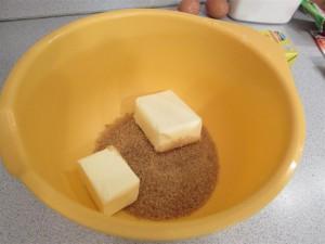 Karácsonyfa süti recept: vaj és barna cukor