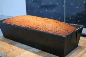 Elkészült mézeskalács sütőformában