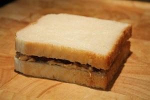 Mogyoróvajas szendvics lekvárral