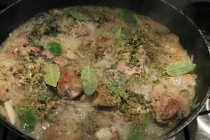 Olaszos csirkemáj recept: fehérborral felöntve