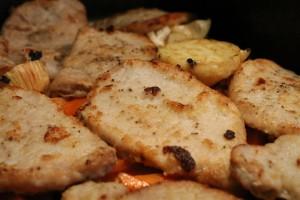 Hús és zöldségek a tepsiben - önmagában is gyönyörű látvány