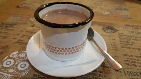 Calavera étterem forró csokoládé bögrében