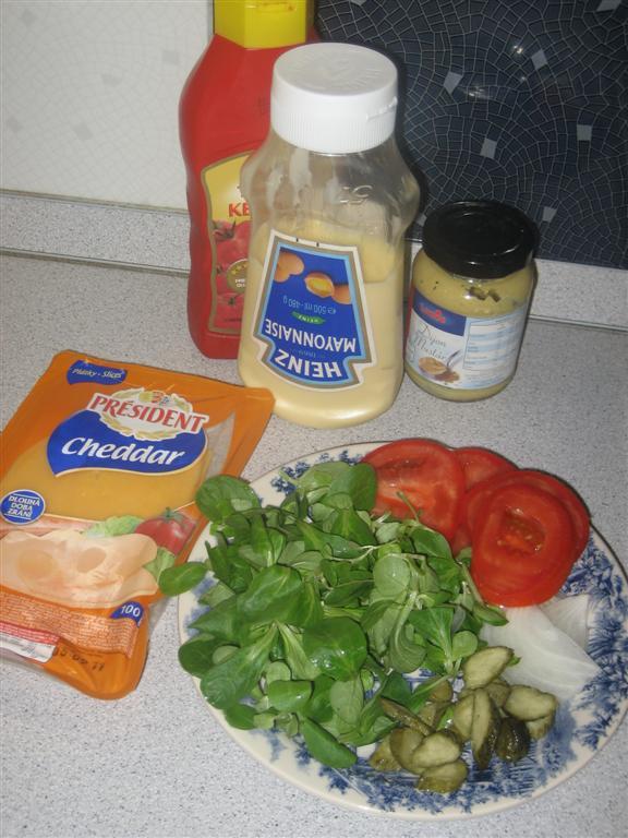 Hamburger hozzávalók: zöldségek, ízesítők