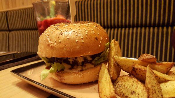 Központ Bisztró füstös burger
