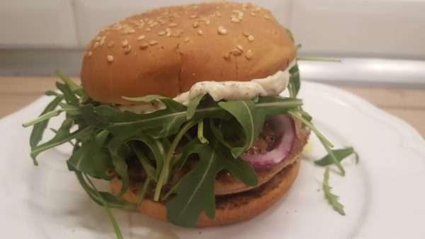 Libamájas hamburger