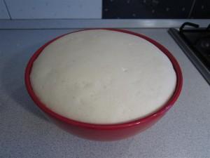 Pizzatészta recept: keleszd egy órát