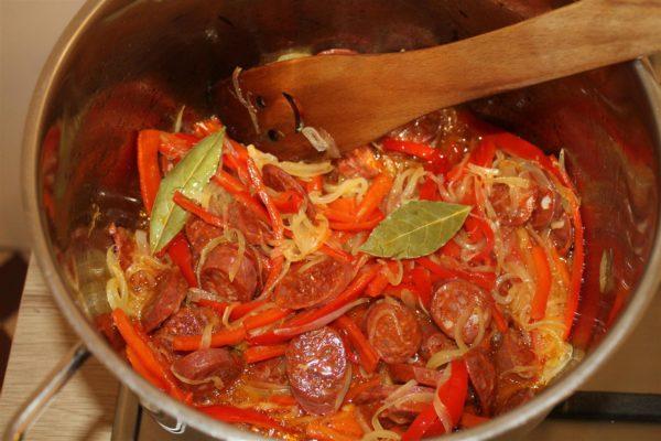 Spanyol paprikás krumpli készítése 7