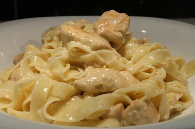 Chicken Alfredo – tejszínes csirkés tészta