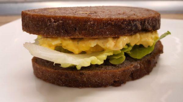 Tojáskrémes szendvics