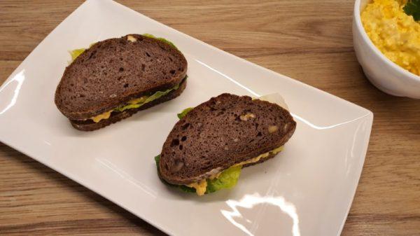 Tojáskrémes szendvicsek